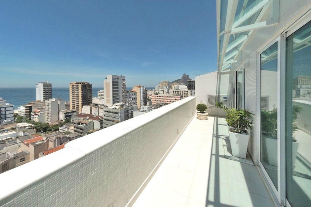 Ipanema Penthouse Apartment